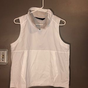 NEW Women's Under Armour Vest Size Small